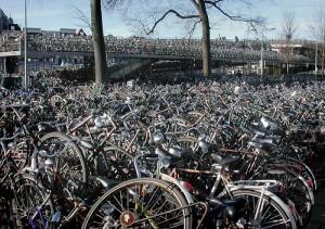 Parkoviste kol v Amsterdamu